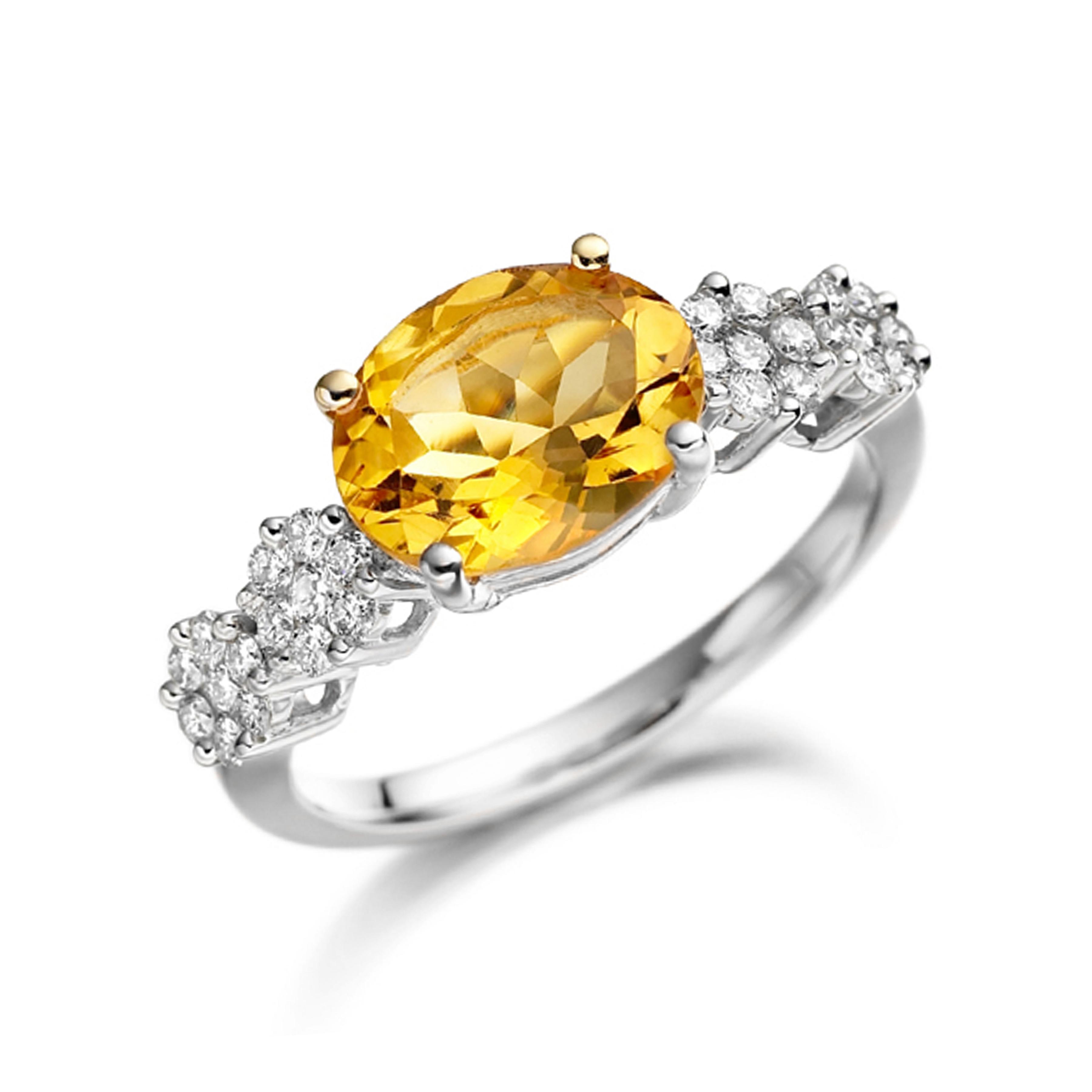 Prong Setting Round Shape Triangle Diamond Stud Earrings  (4.00mm X 6.20mm)
