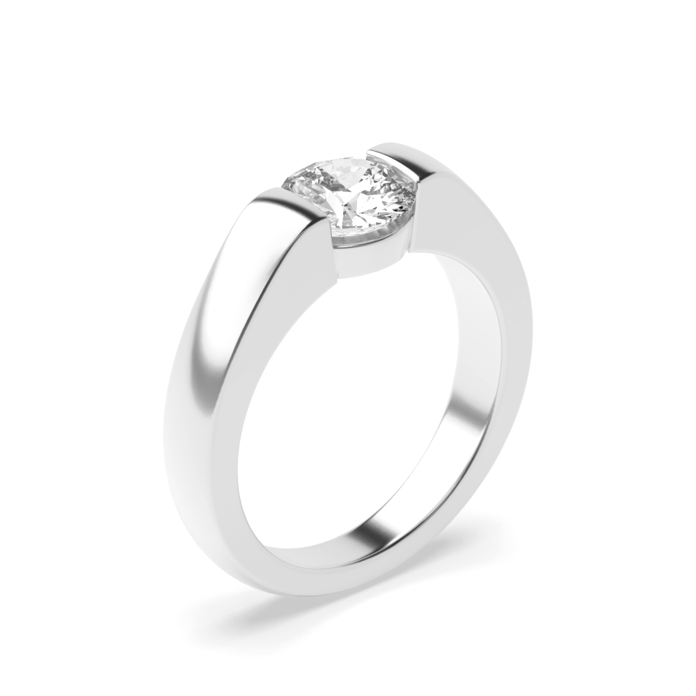 Brilliant Cut Round Solitaire Diamond Engagement Ring Style for Women