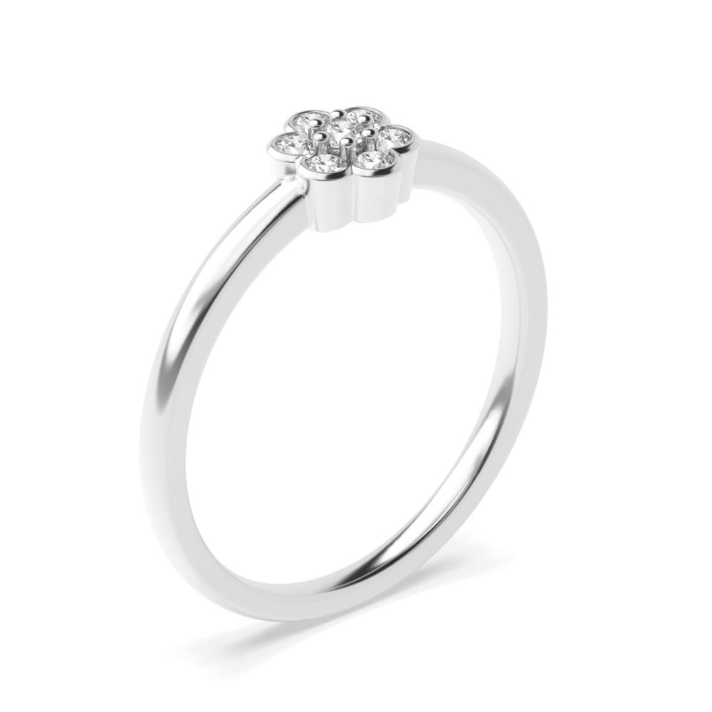 Diamant Cluster Rings Engagement Rings in einer Bezel Setting