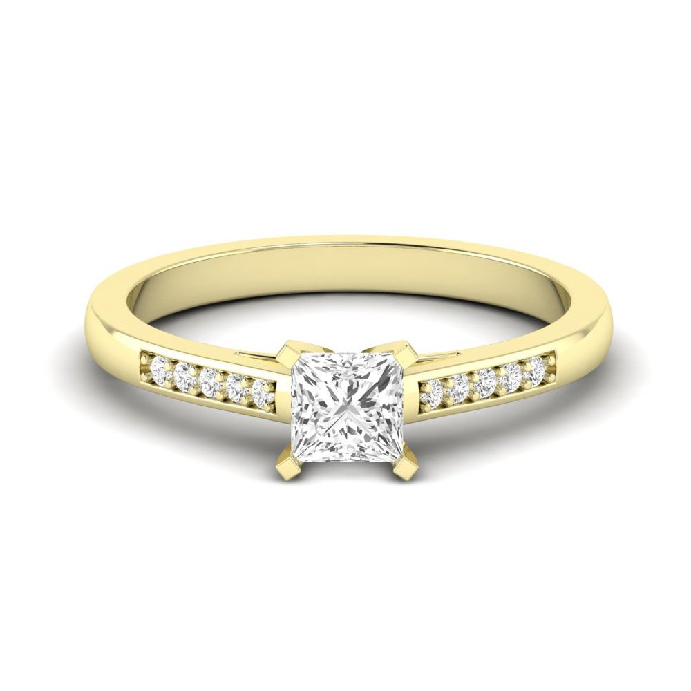 Princess Engagement Ring With Square Claws Set Diamond